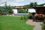 Mit Pool- und Gartennutzung